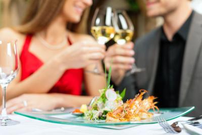彼氏以外の男と食事