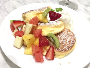 幸せのパンケーキ フルーツ